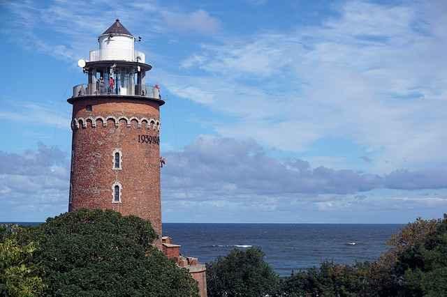 Szlakiem latarni morskich - noclegi z widokiem na morze