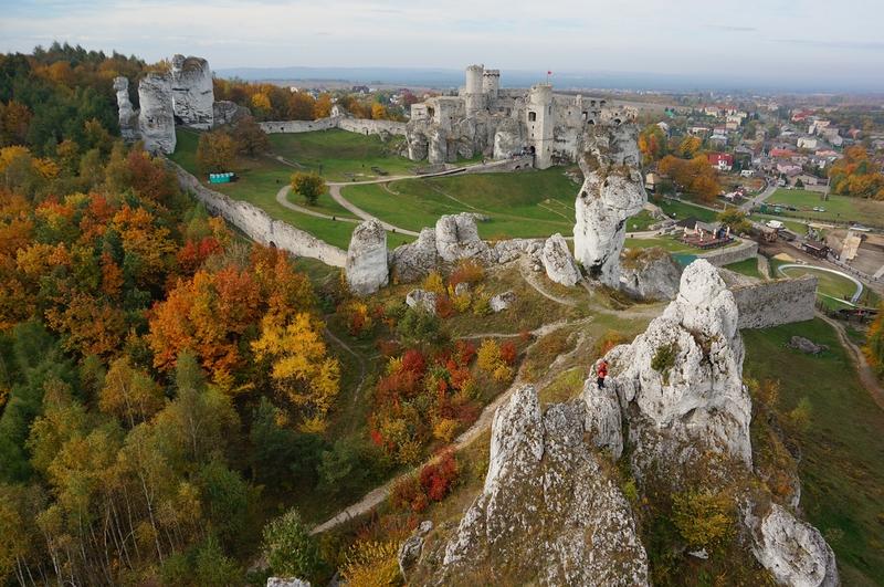 Zamek Ogrodzieniec w Podzamczu – niesamowite gotyckie ruiny
