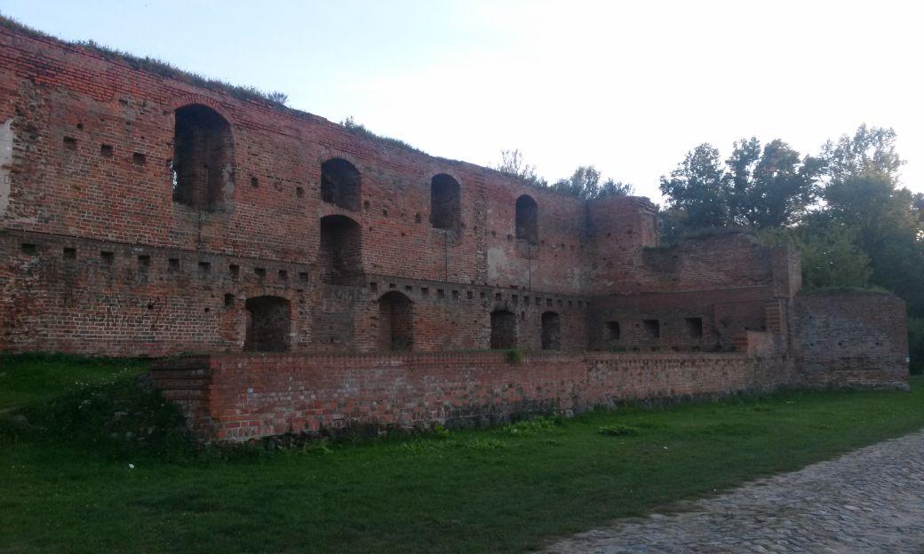 Ruiny Zamek Dybów 4