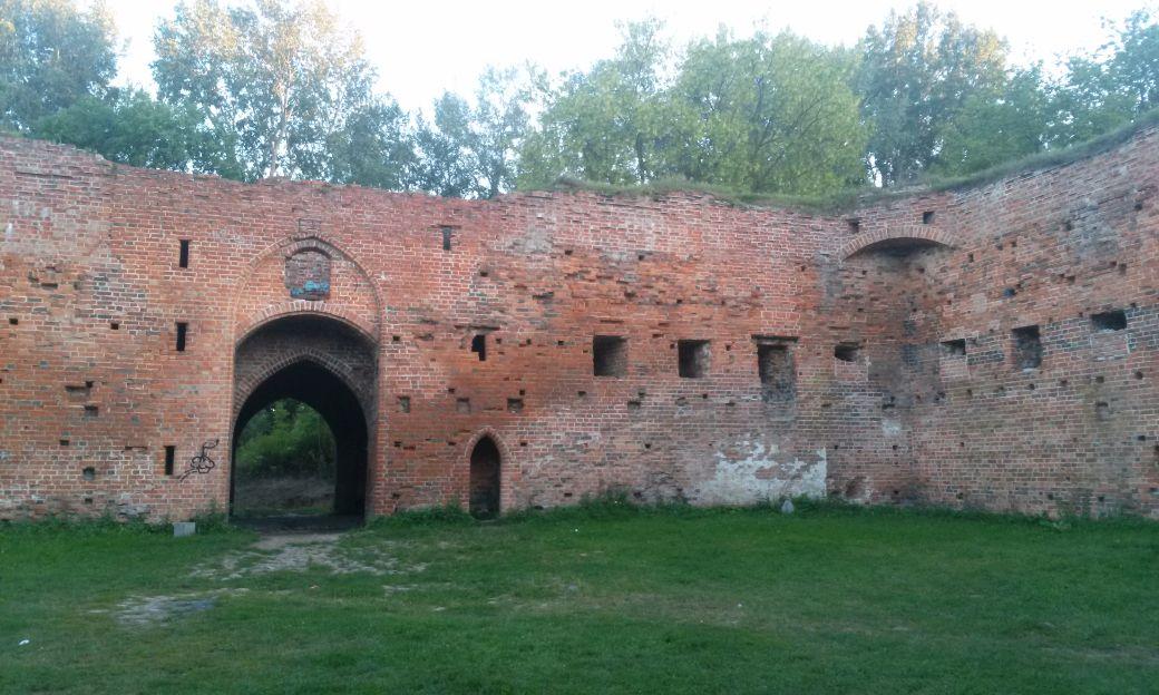 Ruiny Zamek Dybów 2