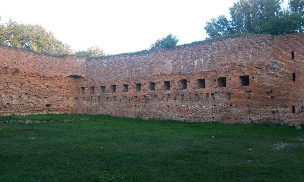 Ruiny Zamek Dybów 3